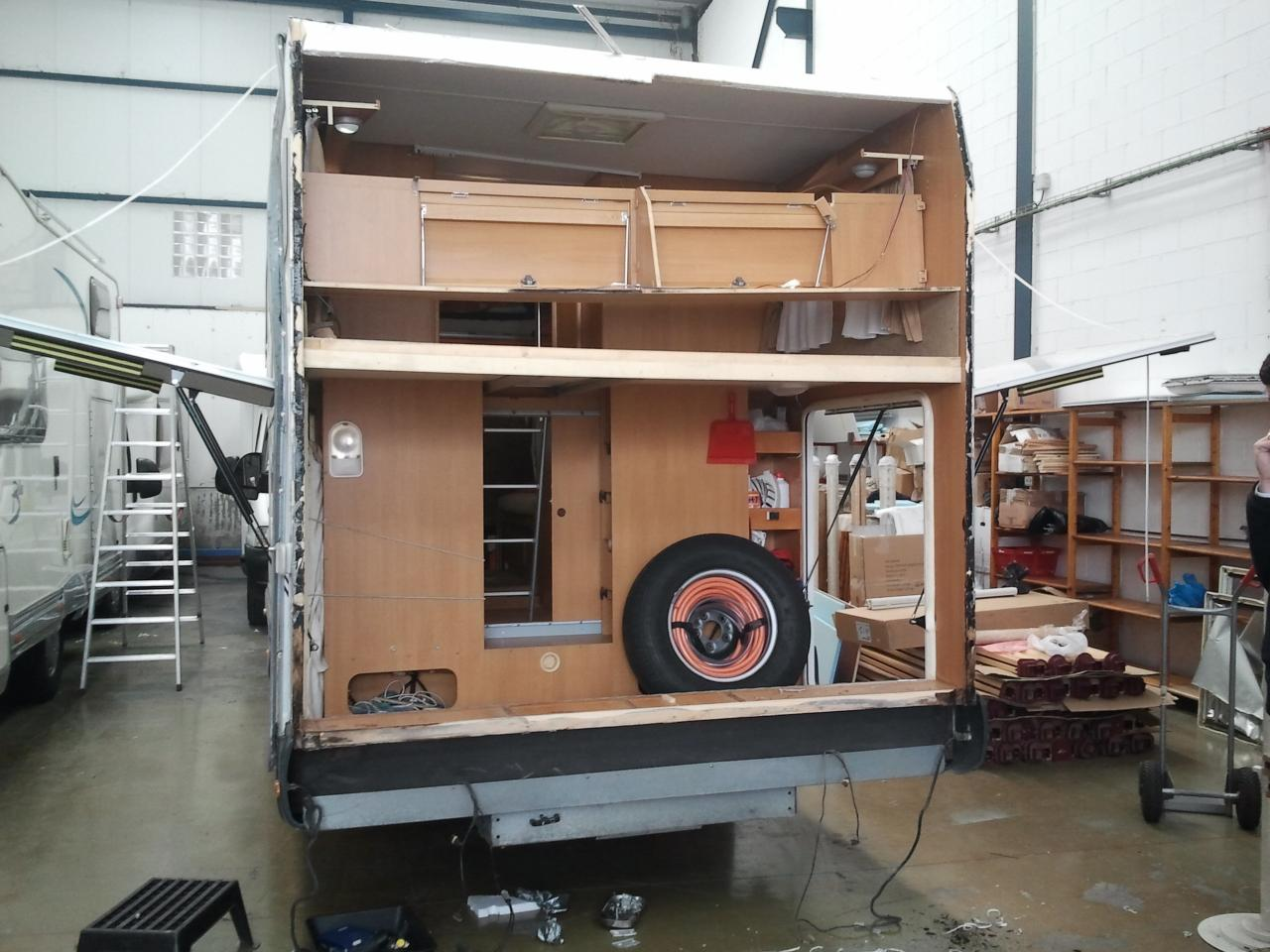 reparation camping car. Black Bedroom Furniture Sets. Home Design Ideas
